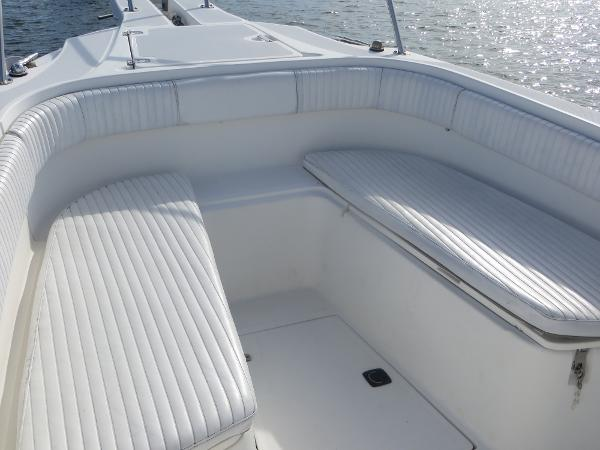 26 outrage port and starboard fwd seats